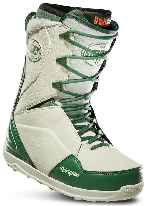 32 Lashed Stevens Snowboard Boots 2020