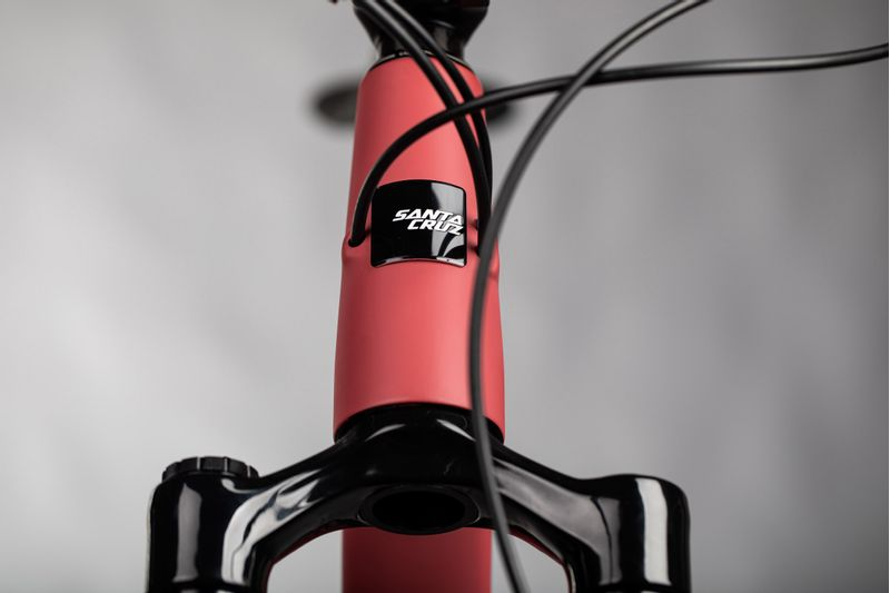 Santa-Cruz-2021-5010-C-XT-27.5-Full-Suspension-Mountain-Bike